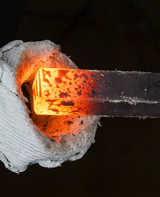A molten steel bar for metal fabrication